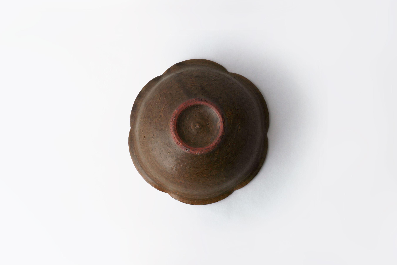 錆釉輪花小鉢_3